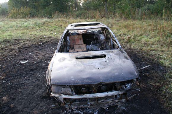 Sudegęs kontrabandininkų automobilis