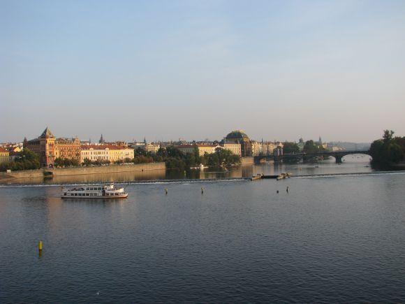 Vaizdas į Prahą nuo Karlo tilto