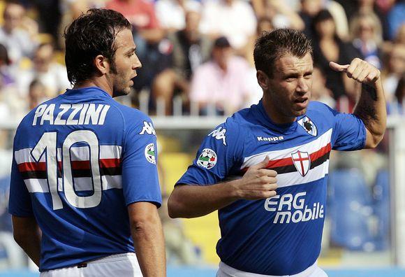 """Smogiamasis """"Sampdoria"""" duetas – Antonio Cassano (dešinėje) ir Gianpaolo Pazzini šį kartą turėjo tenkintis lygiosiomis"""