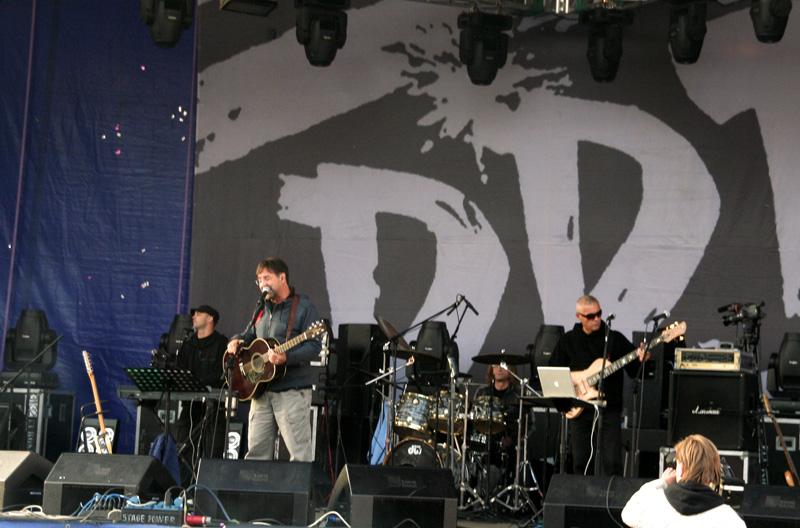 """Foto naujienai: Vieninteliam pasirodymui į Vilnių atvyks legendinė roko grupė """"DDT"""""""
