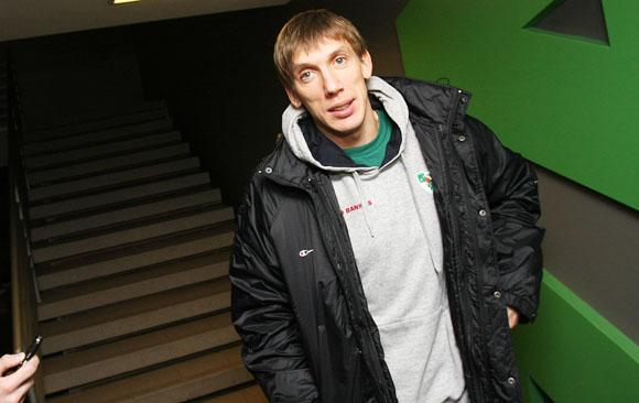 """Trečiadienį """"Žalgirio"""" komanda išvyko į Maskvą, kur ketvirtadienį sužais VTB Vieningosios lygos atidarymo rungtynes su Maskvos CSKA"""
