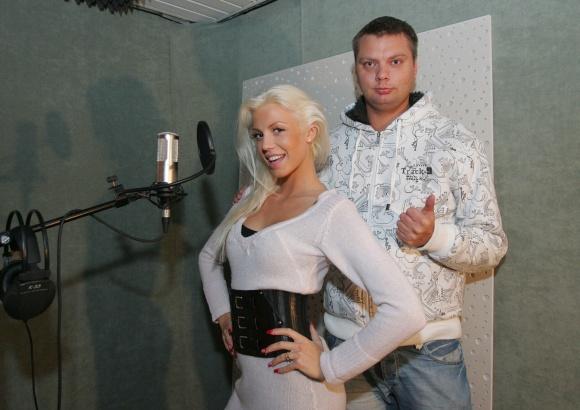 """""""Olialia Pupytės"""" narė Marina ir prodiuseris Zero"""