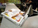 """Juliaus Kalinsko/""""15 minučių"""" nuotr./Lino Samėno receptų knygos """"Virtuvės knyga"""" pristatymas."""