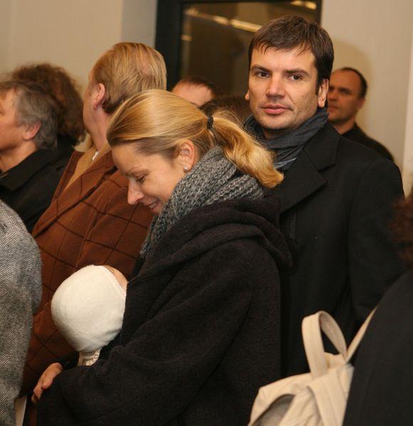 Aurelija Razmarataitė ir Darius Žakaitis su dukrele