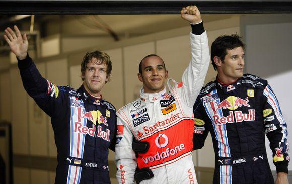 R.Hamiltonas, S.Vettelis ir M.Webberis - tokia tvarka sekmadienį priekyje startuos pilotai