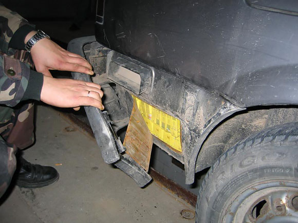 Cigarečių kontrabanda automobilyje