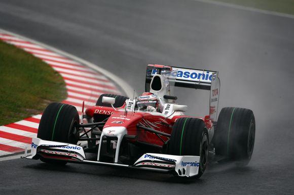 """""""Toyota"""" visiškai traukiasi iš """"Formulės-1"""""""