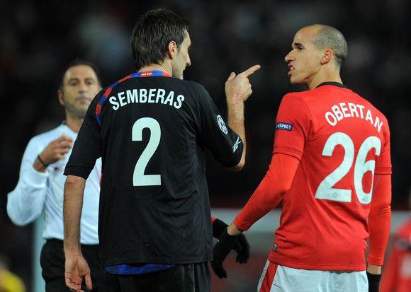 """Mačo pabaigoje su """"Manchester United"""" naujoku G.Obertanu susistumdęs lietuvis D.Šemberas buvo priverstas palikti aikštelę"""