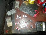 Visagino policijos nuotr./Pas įtariamąjį rasti daiktai