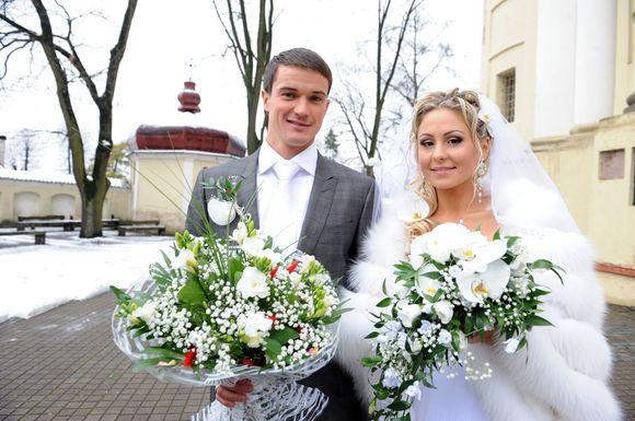 A.Zadneprovskis ir L.Asadauskaitė susituokė šv. Petro ir Povilo bažnyčioje