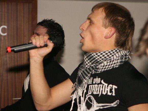 """Naktiniame klube """"Pacha"""" įvyko grupės koncertas, bei buvo pažymėtas vieno jos nario K.Ramoškos gimtadienis."""