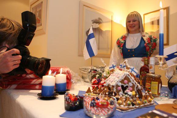 Lapkričio 29 dieną Vilniuje septintą kartą įvyks Tarptautinė kalėdinė labdaros mugė, kurioje dalyvaus 27 pasaulio šalių atstovai ir pristatys kalėdinius papuošimus, saldumynus. Mugės metu veiks ir loterija.