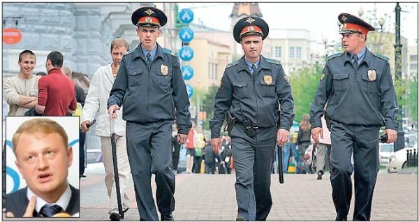 Rusijos milicininkai kaip nori, taip ir savavaliauja, o pavieniai demaskavimo atvejai, tokie kaip A.Dymovskio, nieko nekeičia.