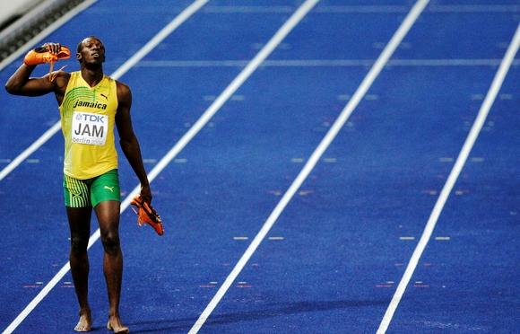 Nuo šiol Usianas Boltas galės treniruotis ir gimtinėje – jo klubo stadione bus paklota identiška Berlynui danga