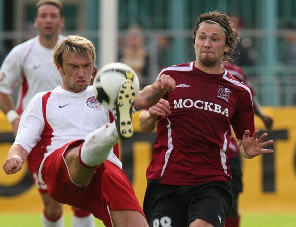 E.Česnauskis (dešinėje) - vienas geriausių Rusijos lygos saugų