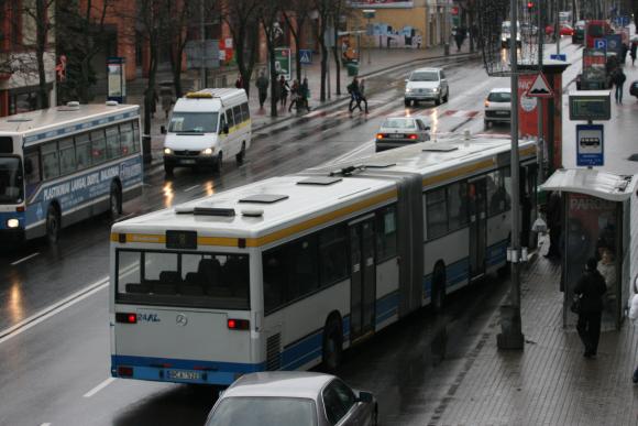 Klaipėdoje konfliktų tarp keleivių ir vairuotojų padaugėjo įvedus naują lipimo į autobusus sistemą.