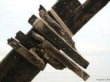 Jūrų muziejaus nuotr./Burlaivio dalį jūra iametė priea porą diena.