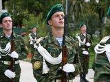 """AFP/""""Scanpix"""" nuotr./Abchazijos karo mokyklos studentai"""