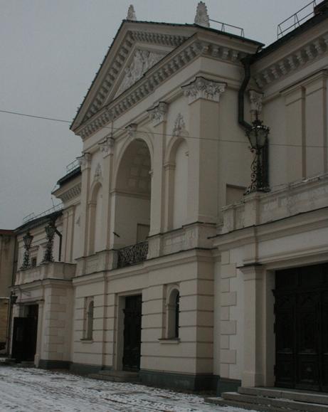 Iš teatro balkono miestelėnus su šventėmis sveikins gyvos prakartėlės herojai.