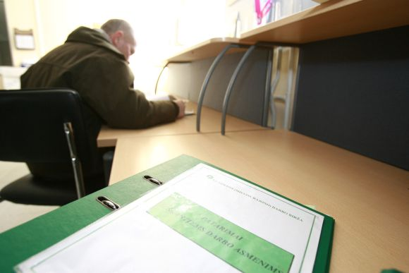 Klaipėdos darbo biržos klientų gretos perkopė 18 tūkst. ribą.