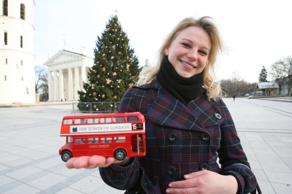 Artimųjų ilgesys neleido R.Linkutei abejoti, kur sutikti Kalėdas – Lietuvoje ar svetur. Didžiojoje Britanijoje studijuojanti mergina į Vilnių žiemos šventėms grįžo praėjusią savaitę.