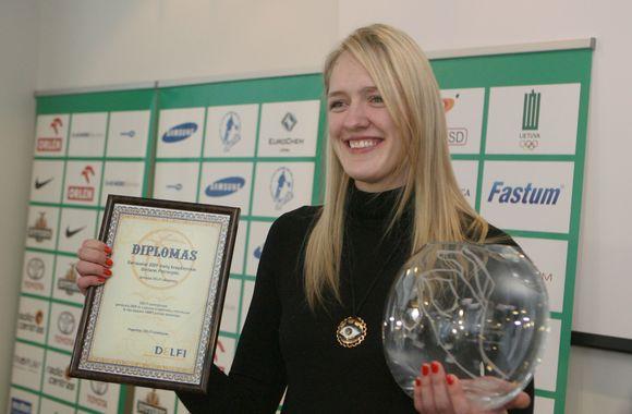 Gintarė Petronytė su dovanomis