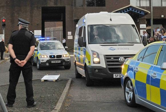 Didžiosios Britanijos policijos autobusas