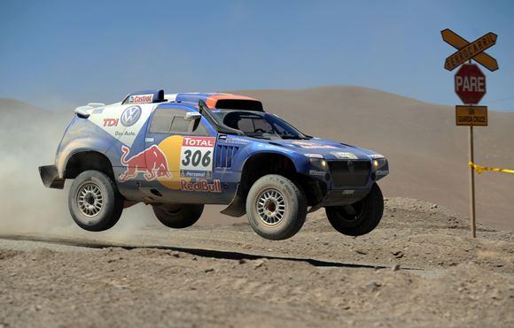 Septintąjį etapą automobilių grupėje laimėjo katarietis N.Al-Attiyahas