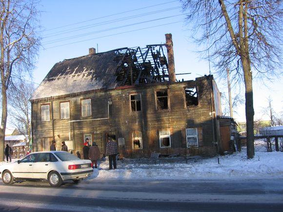 Sudegęs namas Biržuose