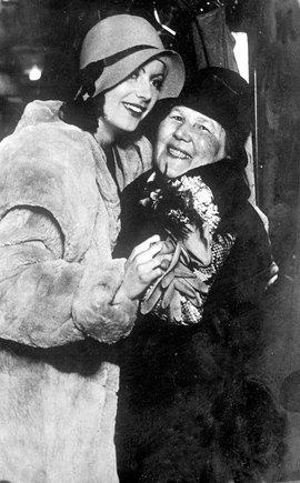 Scanpix nuotr./Greta Garbo su motina