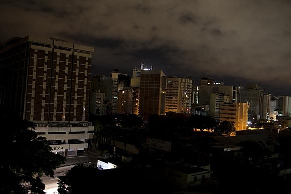 Venesueloje nustatytomis valandomis išjungiama elektra.