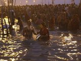 "AFP/""Scanpix"" nuotr./Hinduistų maldininkai"