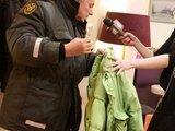 """Juliaus Kalinsko/""""15 minučių"""" nuotr./Prodiuserio E.Bžesko striukėje šuo rado kokaino maišelį"""