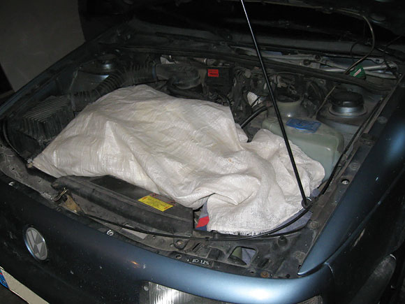 Kontrabandinės cigaretės lenko automobilyje