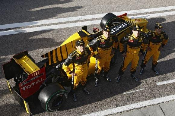 Reuters/Scanpix nuotr./2010 metų Renault komandos bolidas R30