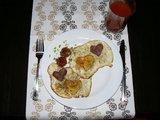 15min.lt skaitytojos Editos nuotr./15min.lt skaitytojos Editos kiaušiniai su kumpiu ir meile