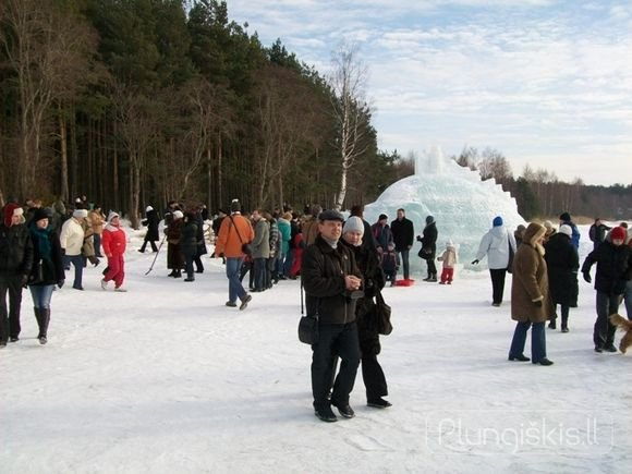 plungiskis.lt nuotr./Akimirka iš ledo skulptūrų renginio