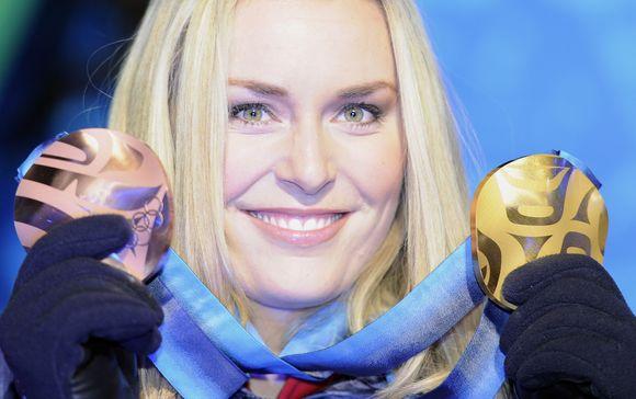 JAV kalnų slidinėjimo žvaigždė Lindsey Vonn savo šaliai pelnė du apdovanojimus