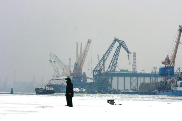 Nuo ledo vejami žvejai neslėpė pykčio ir nusivylimo.