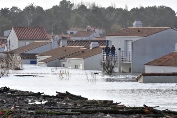 Per potvynius Prancūzijoje jau žuvo keturi žmonės.
