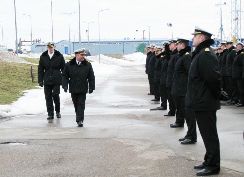 Karinių jūrų pajėgų vadas Olegas Mariničius išleistas į atsargą.