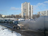 Gedimino Gasiulio/15min.lt nuotr./Ozo g. Vilniuje dega automobilis