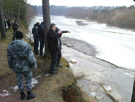 Ledų sangrūda Jonavos rajone pajudėjo