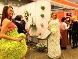 """fotolite.lt nuotr./Paroda-šventė """"Mūsų vestuvės!"""". Gyvų gėlių vestuvinės suknelės."""