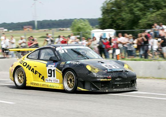 """Vieni pagrindinių favoritų – """"Oktanas Racing"""" ekipos sportininkai broliai Nemunas ir Nerijus Dagiliai, vairuosiantys """"Porsche 997"""", jau užsiregistravo lenktynėse"""