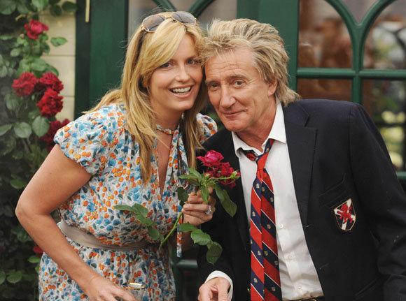 AOP nuotr./Rodas Stewartas su dabartine žmona Penny Lancaster