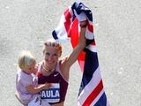 "AFP/""Scanpix"" nuotr./Paula Radcliffe su dukra Isla"