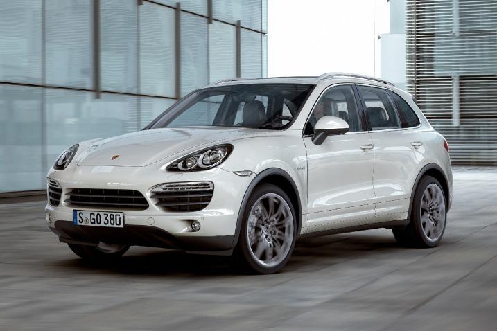 """Naujasis """"Porsche Cayenne"""" – lengvesnis ir ekonomiškesnis"""