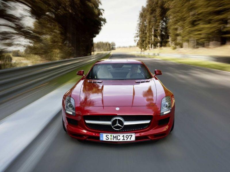 """Elektrinis """"Mercedes-Benz SLS AMG"""" – atsakas konkurentams"""