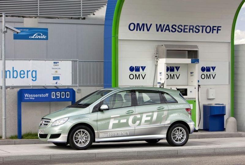 """Mercedes-Benz B F-CELL"" – prestižo ir ekonomiškumo derinys"